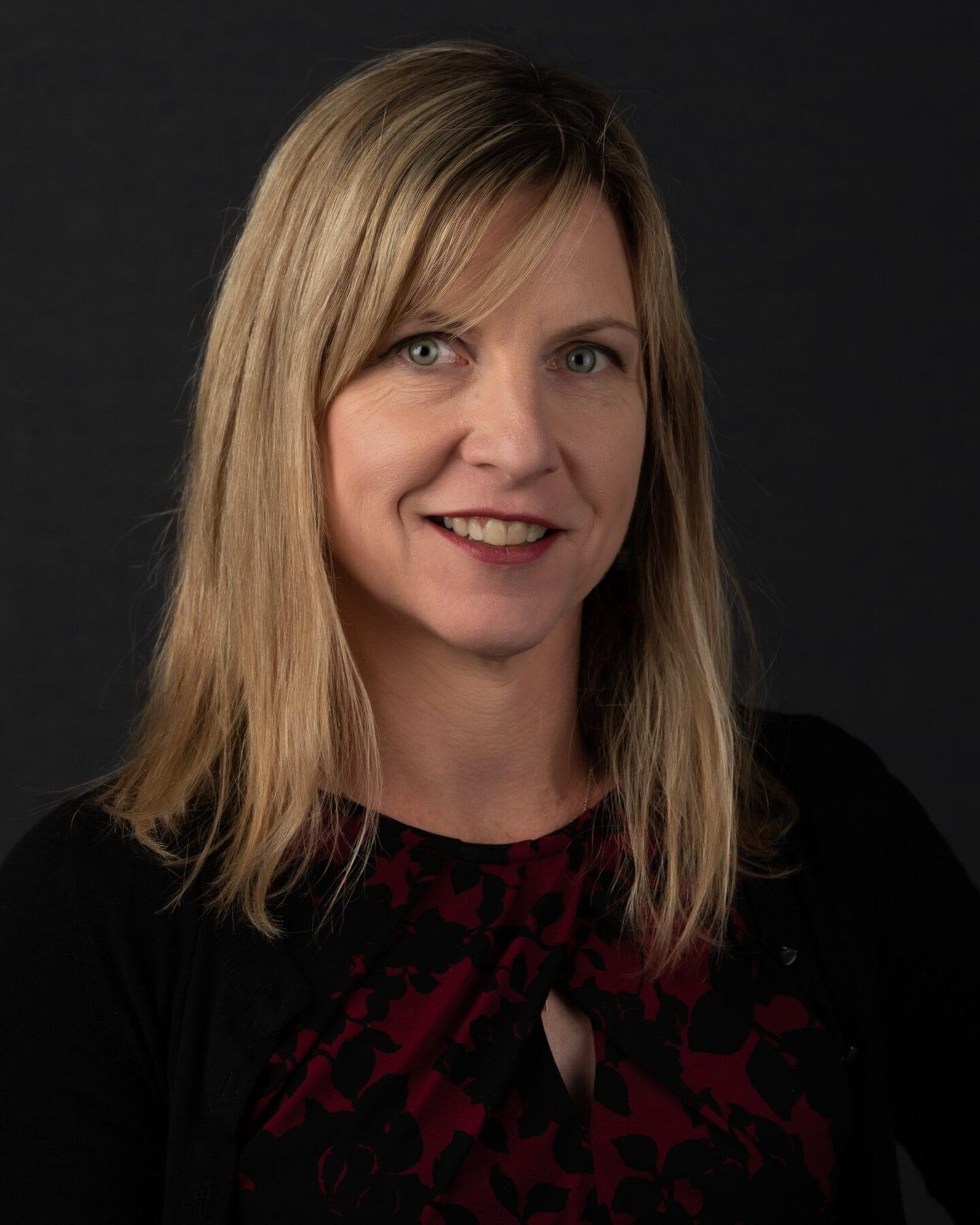 Julie Makinen 2